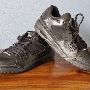 Boys All Black Jordan Flights size 5.5